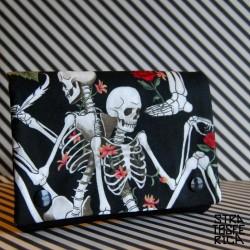 Cartera Esqueletos y Rosas